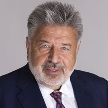 Steven W. Kess ist Mitbegründer von Henry Schein Cares (Foto: Henry Schein)